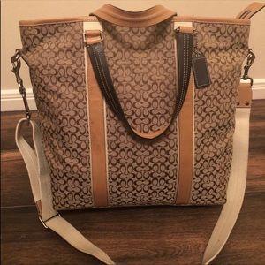 Authentic Coach Shoulder/Crossbody Bag